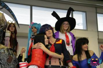 cosplay hug