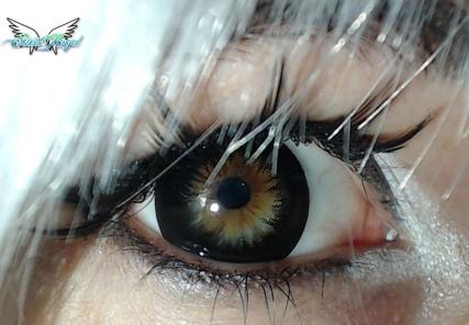 black contact lense