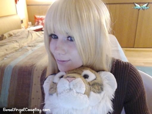 gold blonde wig